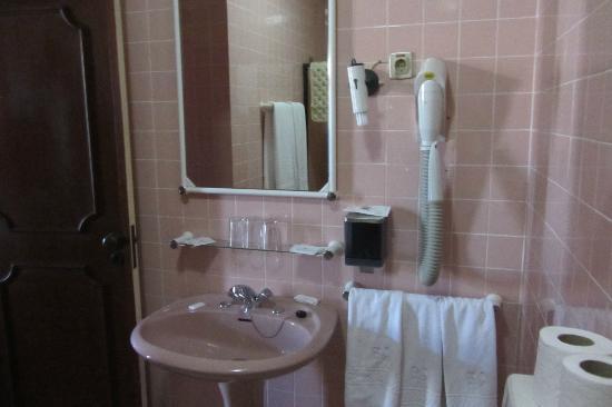 Hotel Jardim Viana Do Castelo: Outra vista do banheiro
