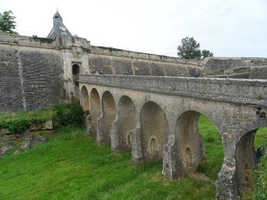 Auberge Du Porche: citadell