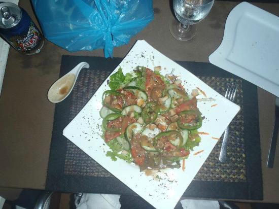 El Pecado: Salad in house vinaigrette