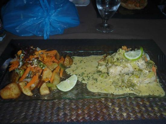 El Pecado: Mahi mahi in Chardonnay beurre blanc sauce