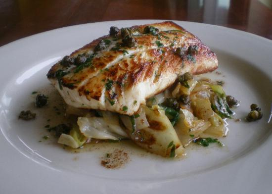 Pelicano : Rockfish with Braised Cabbage, Green Onions and Capers
