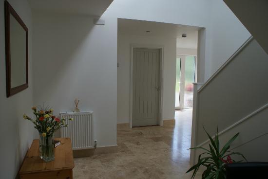 Tirah Guest House: Hallway
