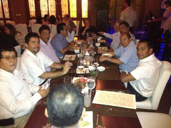 Grapes Restaurant & Bar : Cena con equipo de trabajo Panamá Port y HPH México