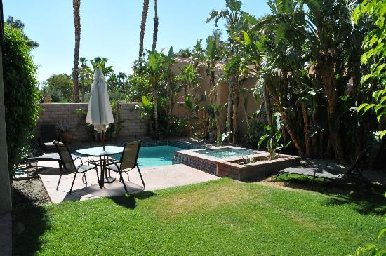 Sundance Villas: Garden