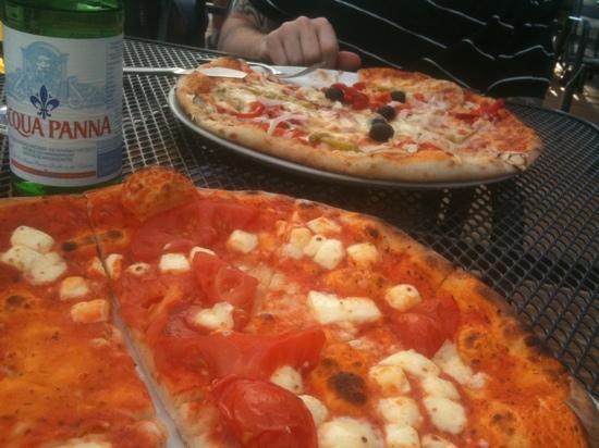 Pizzeria Milano: #29 and Teufelpizza