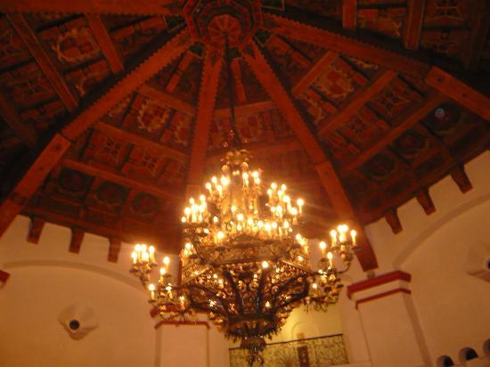 Rivera del Pacifico: la madera fue pintada a mano por un reconocido pintor de la epoca