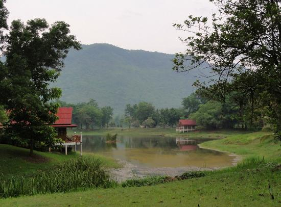 Riverkwai Park & Resort: Lake View rooms
