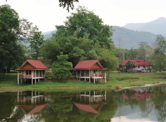 Riverkwai Park & Resort : Lake View rooms