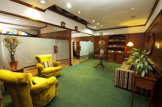 Park 10 Hotel: Business Center