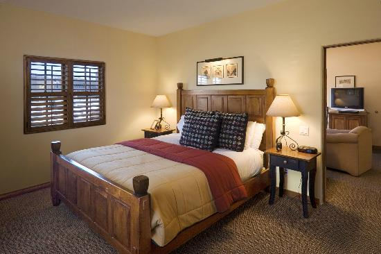 Old Santa Fe Inn: Rooms are furnished with unique, hand-made furniture.