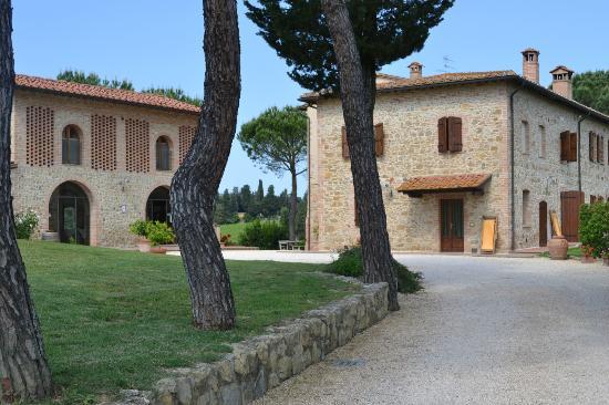 Tenuta Mormoraia: Buildings