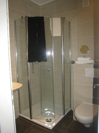Hermes Hotel Oldenburg: shower