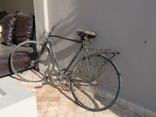 Riad Vanilla sma: Bicycle in Riad
