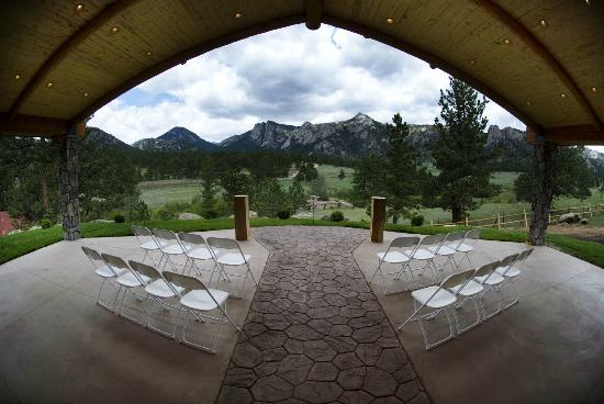 Black Canyon Inn: Wedding Pavilion - perfect for your ceremony