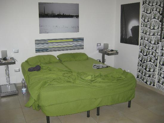 Lazy Night Guesthouse: Habitación