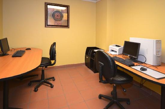 Yuma Hotel: Business Center