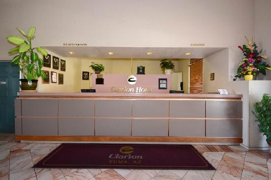 ‪‪Yuma Hotel‬: Front Desk - Guest Services‬