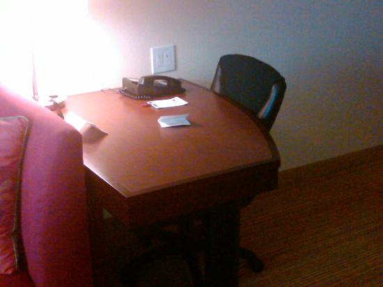 Residence Inn Waldorf: Work Desk