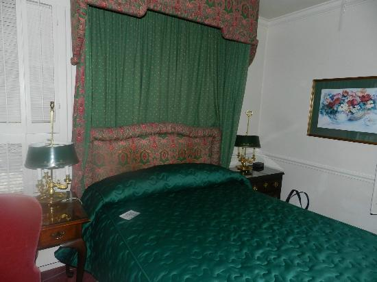 Pine Inn: Our room
