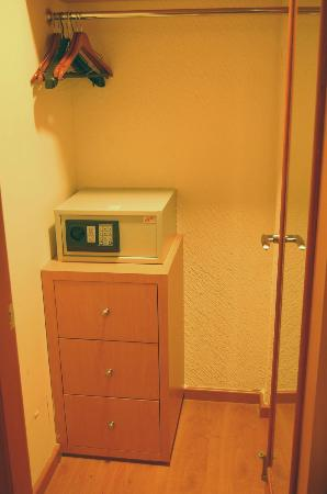 Hotel Premier: Closets amplios