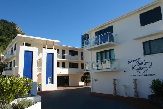 Capri On Pilot Bay: Apartment Complext