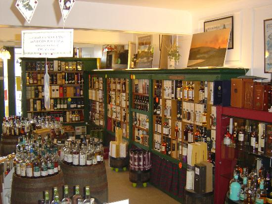 The Whisky Shop Dufftown: Over six hundred whiskies available