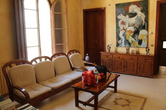 Hostal Romani: Little lounge room outside your room
