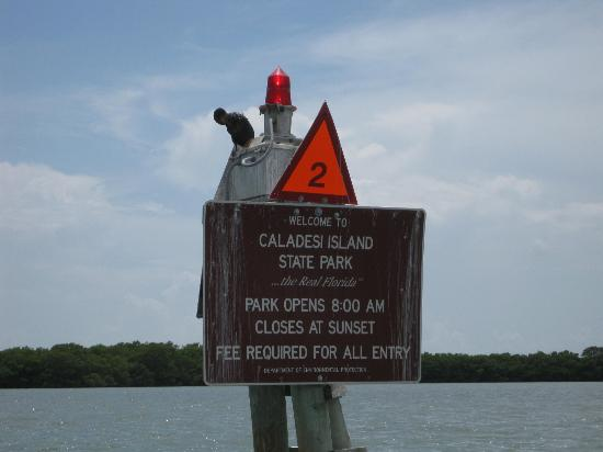 Caladesi Island State Park: boat sign