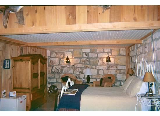 A Barn at the Quarry B&B : In the room (looked the same both trips)