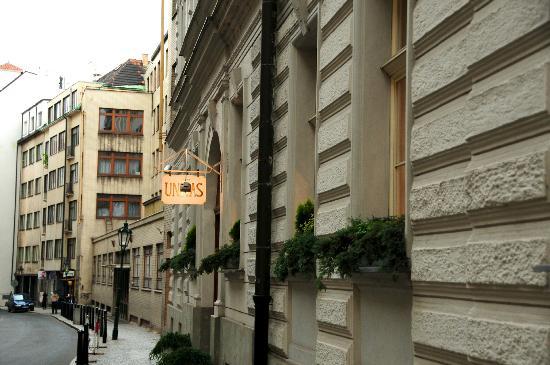 Unitas Hotel: Bartolomejska Street