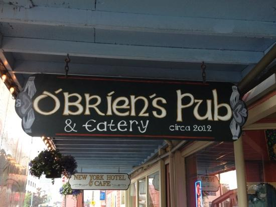 O'Brien's Pub and Eatery: hand painted sign