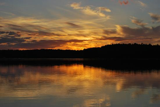 Whitehaven Bed and Breakfast: Another beautiful sunset from the dock