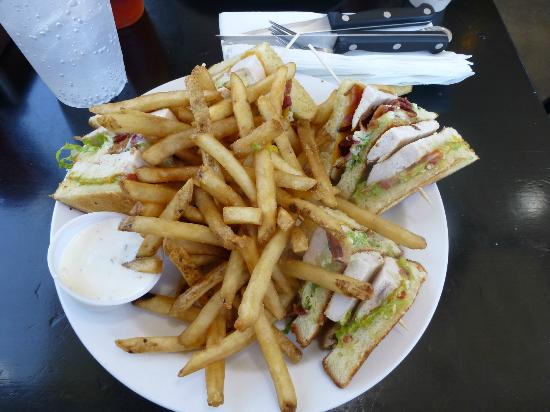 North End Cafe: California Chicken Club