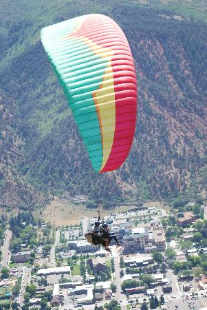 Adventure Paragliding: over Glenwood