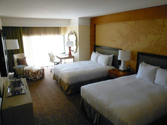 Hilton University of Houston: Room