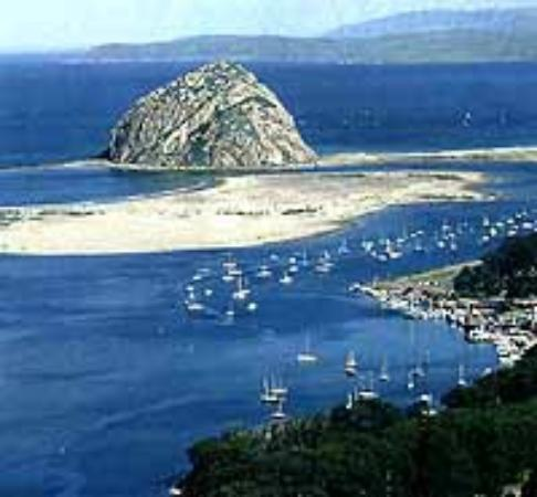 Beach Bungalow Inn and Suites: Just minutes from the Morro Bay Rock and Beaches