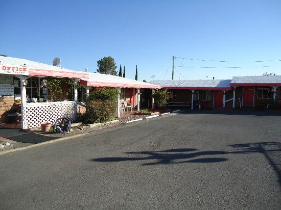 Trail Rider's Inn Motel: Motel View