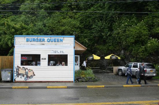Burger Queen: Photo on a rainy day