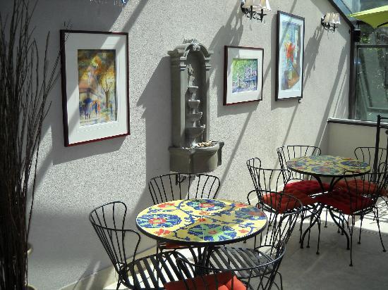 Camas Hotel: Complimentary breakfast room