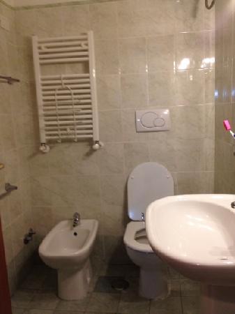 San Daniele Bundi House : bathroom very clean!