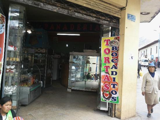 Chicharroneria Cuzco: Entrance