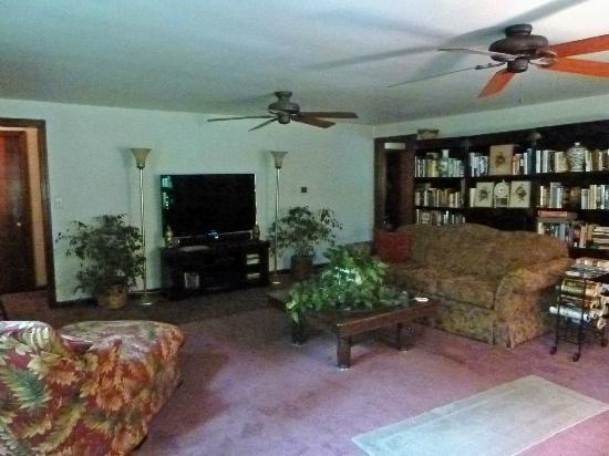 Parkman, OH: Living room