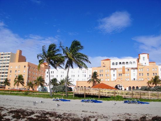 Hollywood Beach Resort Cruise Port Hotel: View from BroadWalk
