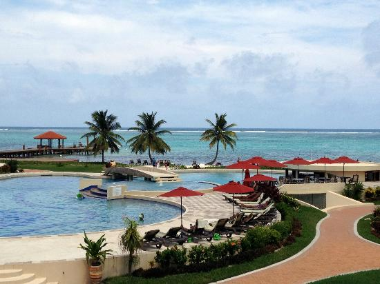 Grand Caribe Belize Resort and Condominiums: view from balconly of E5(?)