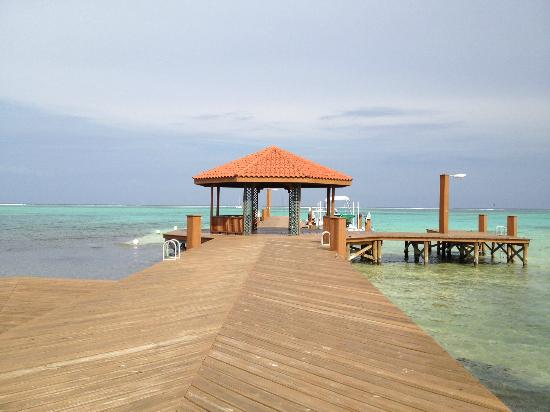 Grand Caribe Belize Resort and Condominiums: hotel dock