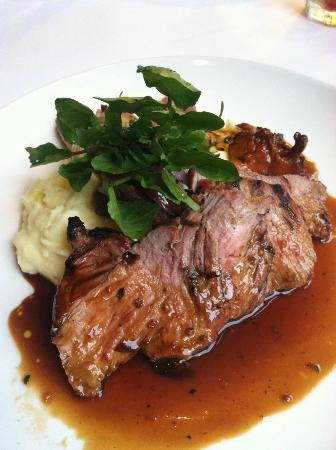 Scala's Bistro: Grilled Port with Chantrelles, Mash Potatos and Onion. AMAZING!!!