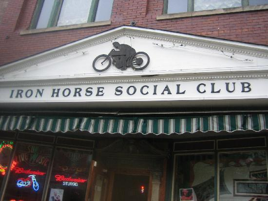 Savanna, IL: Iron Horse Social Club