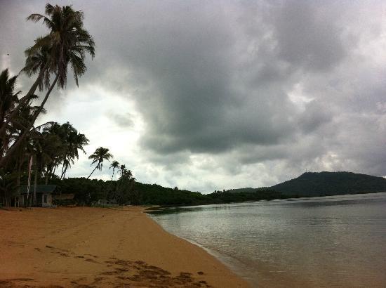 Anino Kite Retreat: beach area