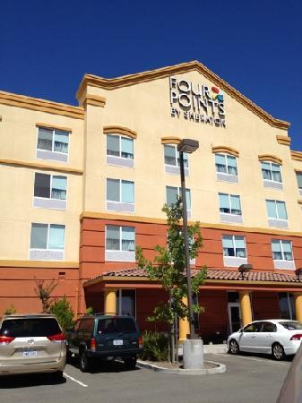 Four Points by Sheraton Sacramento International Airport: hotel back