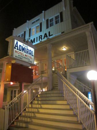 The Admiral Motel: Exterior view of stairs leading to lobby